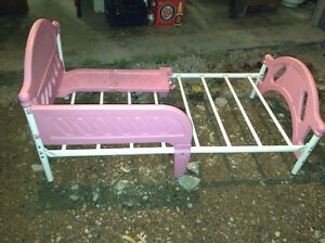 Toddler bed for sale London Ontario image 1