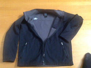 Manteau NORTH FACE de grandeur 14 ans