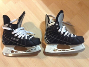 Youth Bauer challenger skates