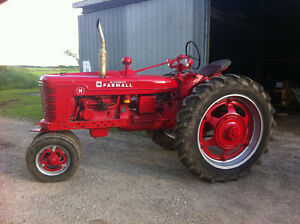Antique International Farmall H Tractor