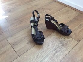 (NEW) BROWN WEDGES (5)