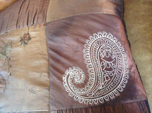 EUC Lovely Accent Pillows