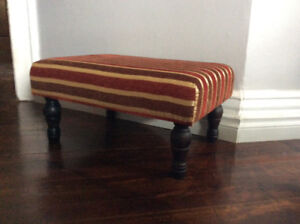 FOOTSTOOL WOODEN LEGS