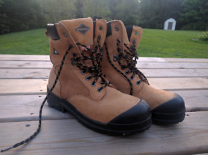 MENS WORK BOOTS / SIZE 8