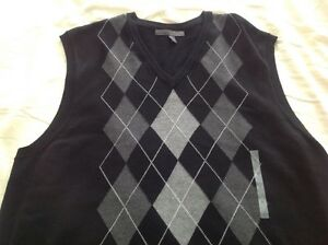 BNWT Mens V neck sweater XL