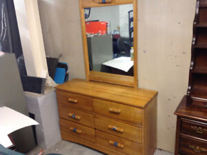 DRESSER WITH MIRROR.....reduced ....!!!!!!!!!
