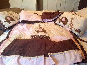 Beautiful Lamb And Ivy Crib Bedding Set  Excellent Condition