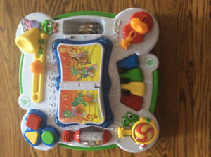 LeapFrog Learn & Groove Musical Table Activity Centre