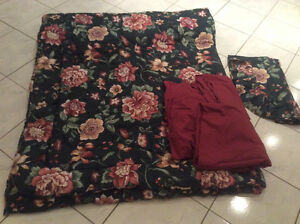 Twin Size Comforter *Great for Dorms/Students *