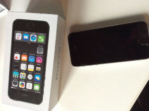 iPhone 5s -16G- on Sasktel Network- $230
