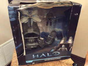 MCFARLANE HALO ODST DROP POD WITH THE ROOKIE SERIES 1 MICROSOFT