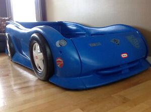 2006 blue kids car....bed