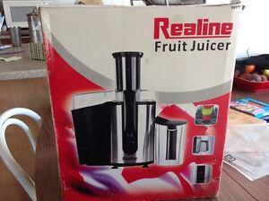 Realine Fruit Juicer