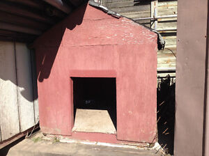 Dog house for sale..... $25 or best offer....