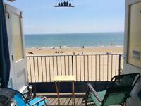 Balcony Beach hut for hire - Branksome chine