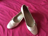Beautiful wedding shoes. Size 6. Rainbow Club 'Sylvie'.