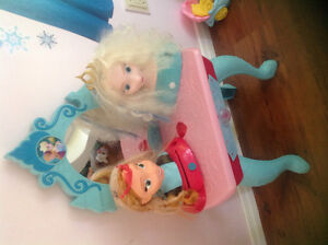Frozen musical vanity and dress up heads