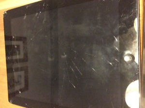 iPad 2 32gb, works but has broken screen, ones with charger