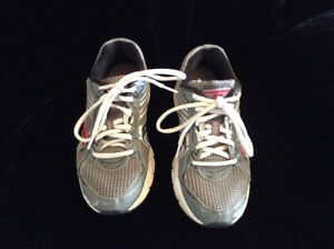 Saucony  Cohesion runners 6 1/2 wide