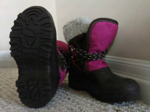 Girl winter boots in great condition, Size 1, Made In Canada,$10