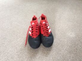 Adidas 17.3 Astro trainers size 5