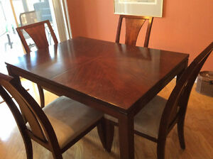 Dining table with 6 chairs Gatineau Ottawa / Gatineau Area image 1