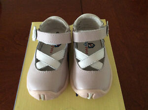 Riley roos Mary Jane Carley size 7 ( more like 6)