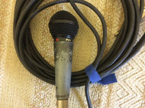 Peavey mic and cable