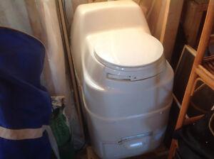 Compost l toilet