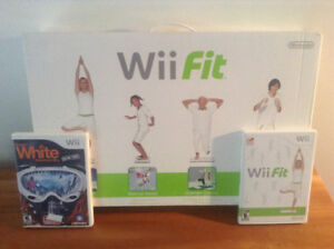 Wii Balance Board with 2 games (Wii Fit + Shaun White Snowboard)