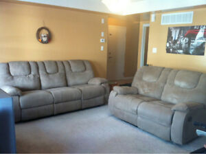 Room for rent.  One bus ride to  UTM. 647-338-2212/905-277-4947