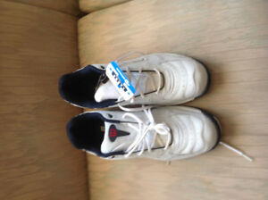 BRAND NEW RUNNING SHOES SIZE 12 MENS