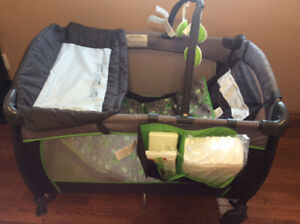 Play pen and car seat