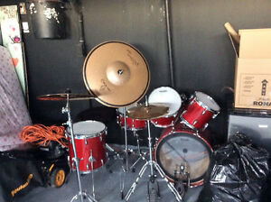Good quality 5 piece drum set with cymbals