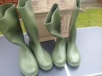 Two pairs green new men's Wellington boots £15