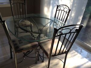 Dinning table for sale Cambridge Kitchener Area image 1