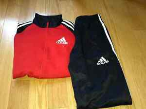 VRAIE TENUE ADIDAS COMPLÈTE SMALL ADULTE