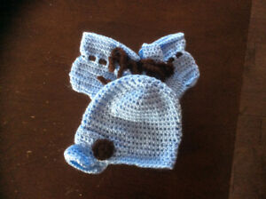 Crochet baby hat and booties