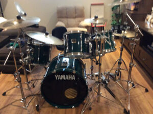 Yamaha stage custom 5 piece drum kit excellent condition!