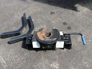5th Wheel Hitch - For Sale - $300 obo