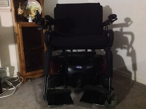 Electric Wheelchair Comox / Courtenay / Cumberland Comox Valley Area image 2