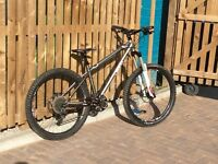 Sunn Tzar mountain bike, 150mm Rockshox Sector forks, high spec.