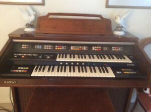 Kauai KX330 electronic organ in perfect condition