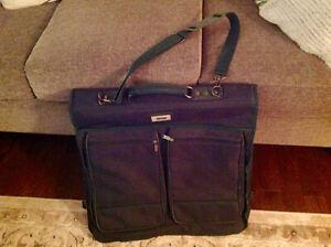 Hunter Green Jauger Garment/Suit Travel Bag