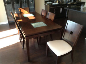 Dining Table, 6 Chairs, Hutch