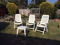 3 Garden Chairs & Table