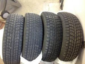 4 pneus hivers p-225-60-r-17 dunlop.$100.00