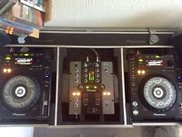 PERFECT x2 Pioneer CDJ 850K Decks Plus Pioneer DJM 250 Mixer and Sturdy Flight Case