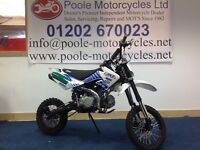 Stomp 140 Pitbike 2014 in poolemotorcycles graphics
