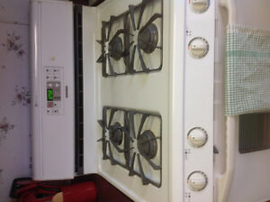 FRIGIDAIRE GALLERY FRIDGE AND MAYTAG GAS RANGE